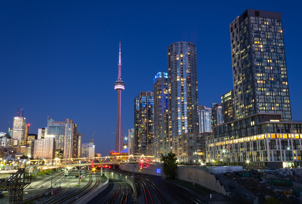 Toronto Condos And The Cn Tower
